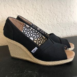 Toms wedges- Never Worn